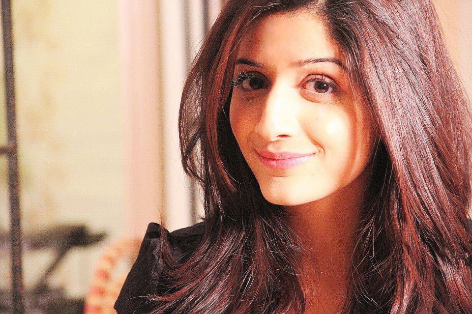 See Pakistani Celebrities who left studies incomplete