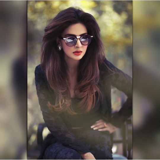 See Pakistani Celebrities who look best in Red Lipstick