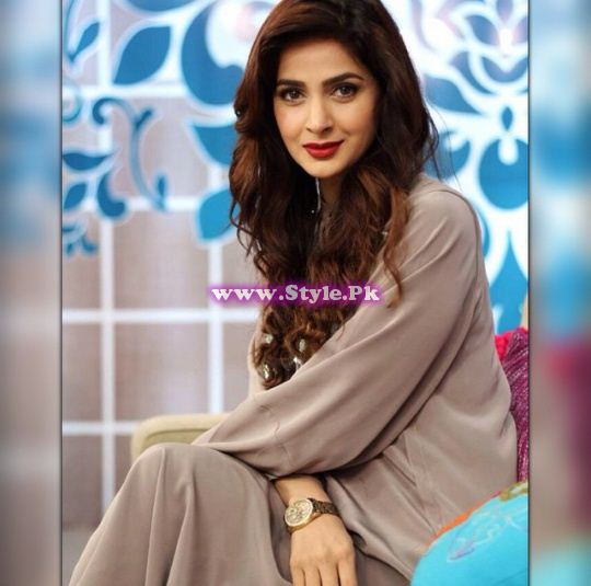See Pakistani Celebrities who rocked wavy hairs