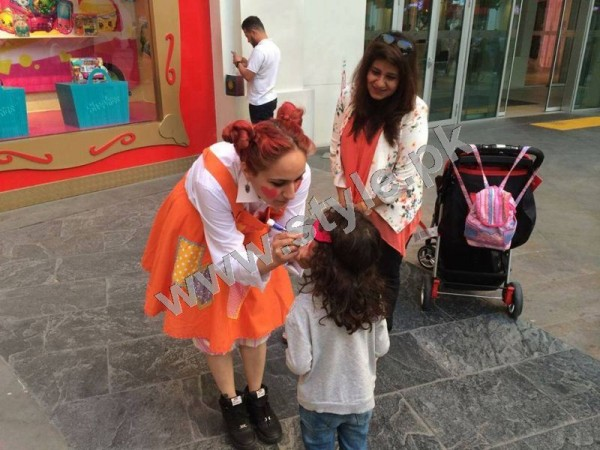 Pictures of Fahad Mustafa with his Family on Istanbul tour 10