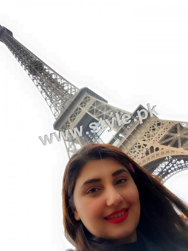 Pictures of Javeria and Saud with Family in Paris 13