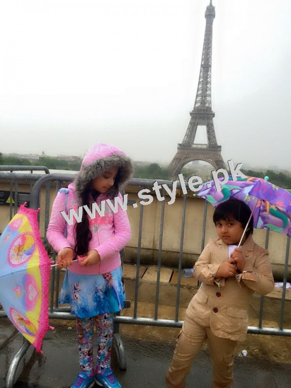 Pictures of Javeria and Saud with Family in Paris 8