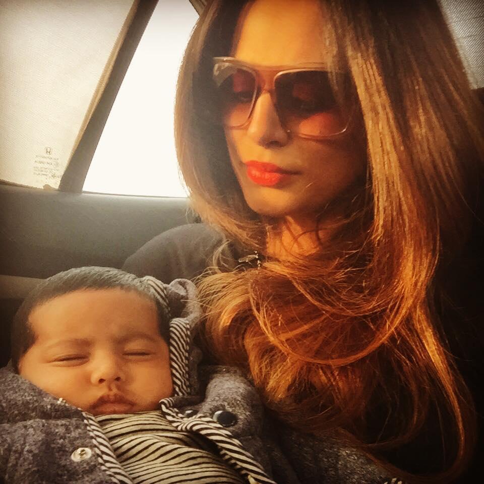 Seemi Raheel's daughter with baby