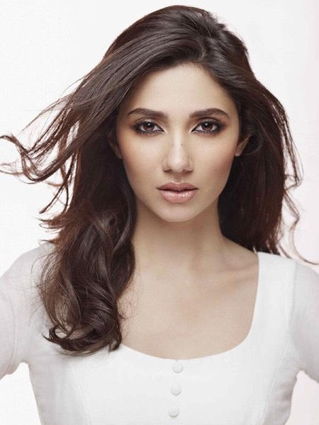 Undisclosed And Interesting Facts About Famous Pakistani Celebrities008
