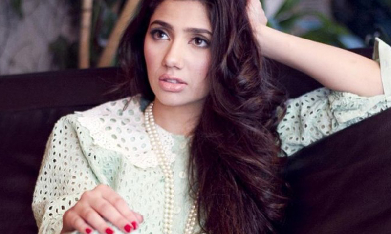 See Mahira Khan says about Sharukh khan