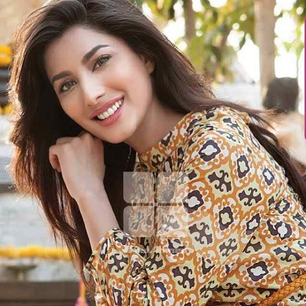 Top Pakistani Actresses who did not get married, despite their Age