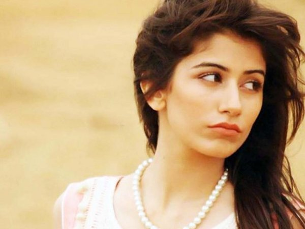 Which Pakistani Television Actresses Should Work In Movies005