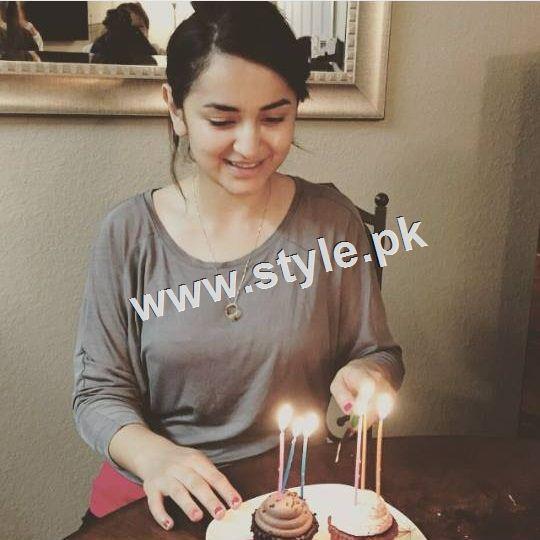 Yumna Zaidi Celebrating her 26th birthday (3)