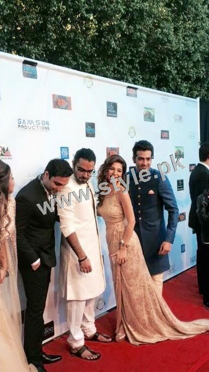 Cast of Karachi se Lahore in Hollywood (12)