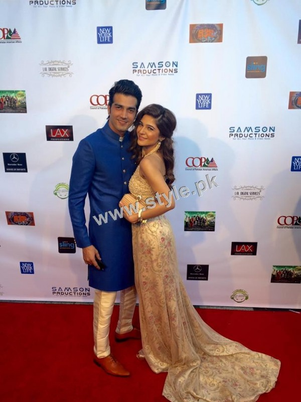 Cast of Karachi se Lahore in Hollywood (14)