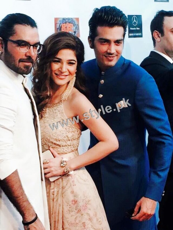 Cast of Karachi se Lahore in Hollywood (15)