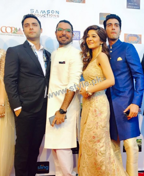 Cast of Karachi se Lahore in Hollywood (8)