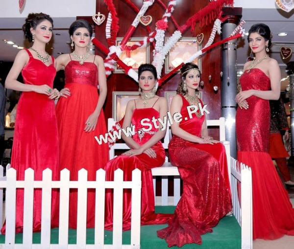 Celebrities at Damas Annual Fashion Show 2015 (2)