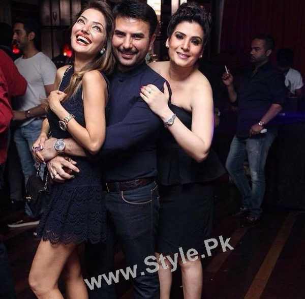 Celebrities at Shazad Raza's birthday bash (2)