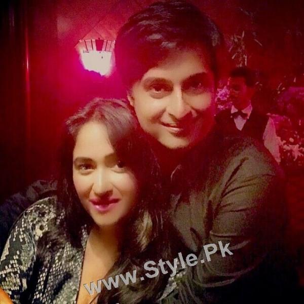 Celebrities at Shazad Raza's birthday bash (9)