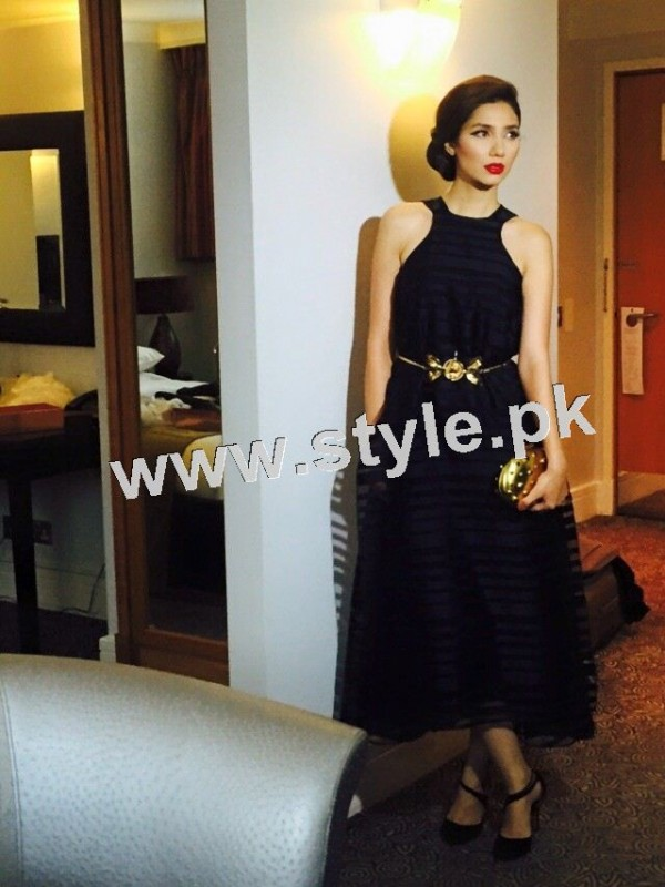 Dressing of Pakistani Celebrities during promotion of theri movies (4)