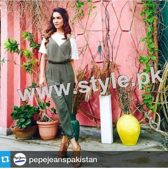Dressing of Pakistani Celebrities during promotion of theri movies (9)