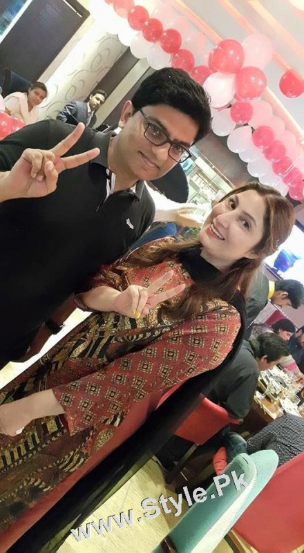 Film Star Saima Noor's Birthday Celebrations (13)