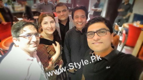 Film Star Saima Noor's Birthday Celebrations (3)