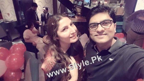 Film Star Saima Noor's Birthday Celebrations (5)
