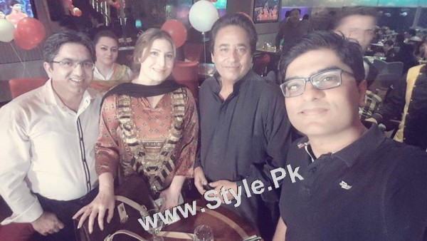 Film Star Saima Noor's Birthday Celebrations (6)