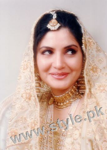 Late Nazia Hassan's Wedding Pictures  (13)