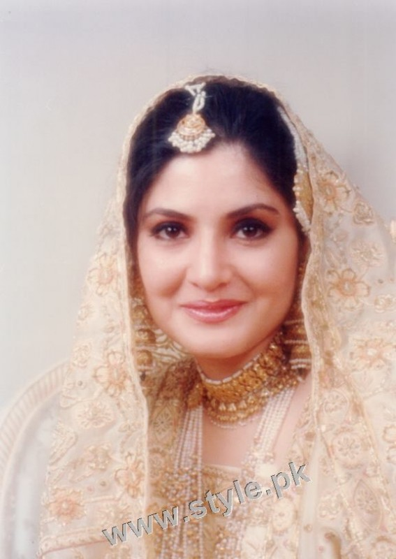 Late Nazia Hassan's Wedding Pictures  (14)