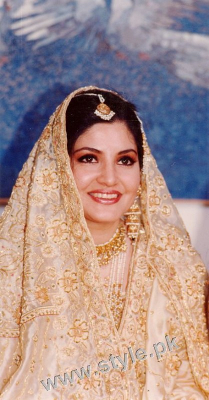 Late Nazia Hassan's Wedding Pictures  (16)