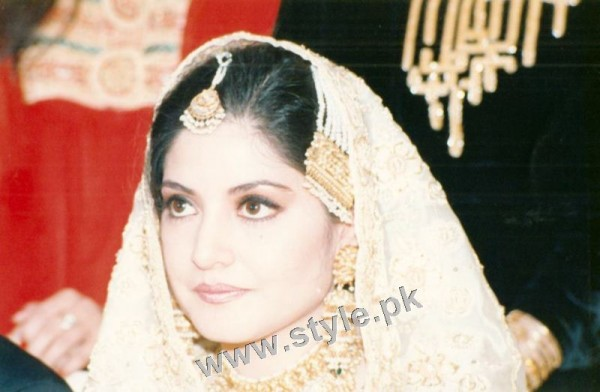 Late Nazia Hassan's Wedding Pictures  (17)