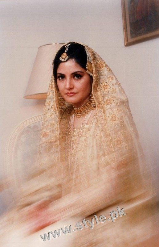 Late Nazia Hassan's Wedding Pictures  (18)