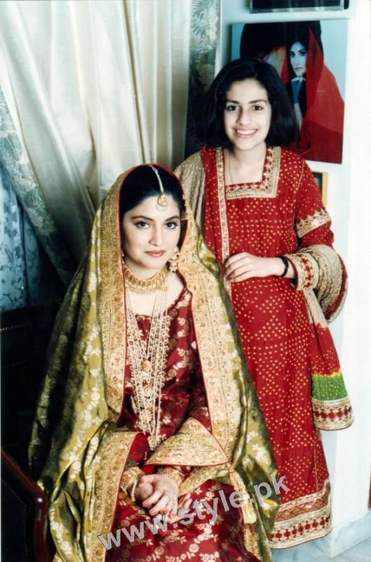 Late Nazia Hassan's Wedding Pictures  (8)