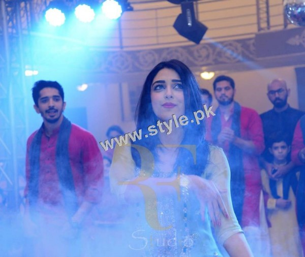 See Maya Ali Rocking the dance floor on Mukarram's Mehndi