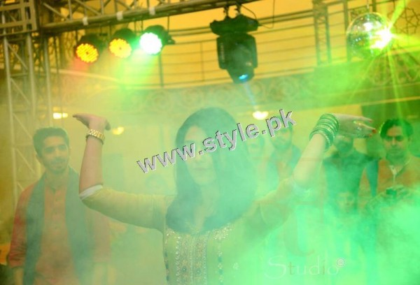 Maya Ali Rocking the dance floor on Mukarram's Mehndi