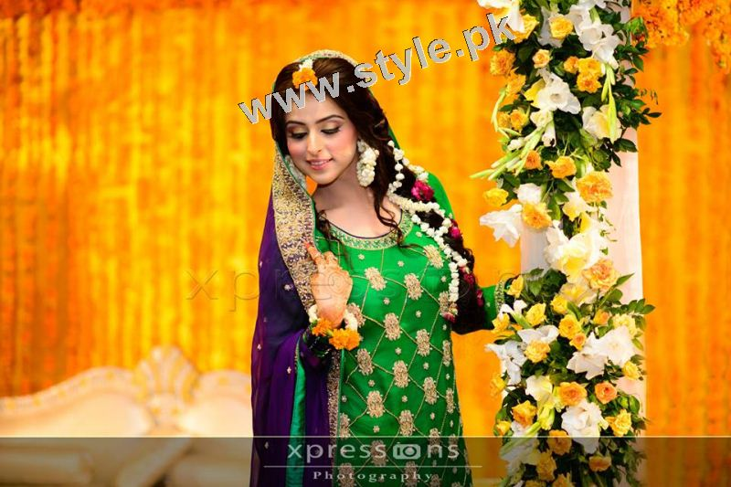 Mehndi Ceremony Outfits : Mehndi outfits to wear on your big day