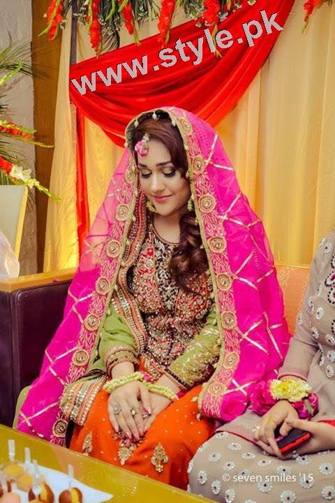 Mehndi outfits 2015 to wear on your big day (4)
