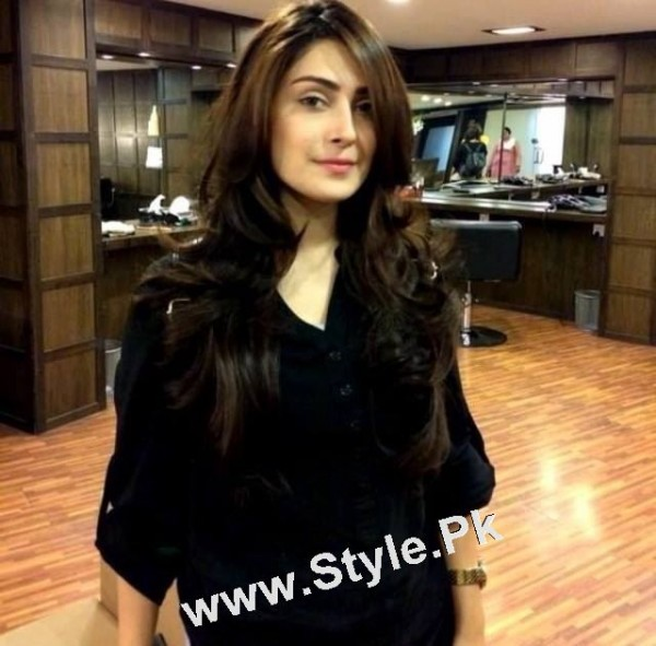 hair cutting style with name new look of ayeza khan with new haircut 9087