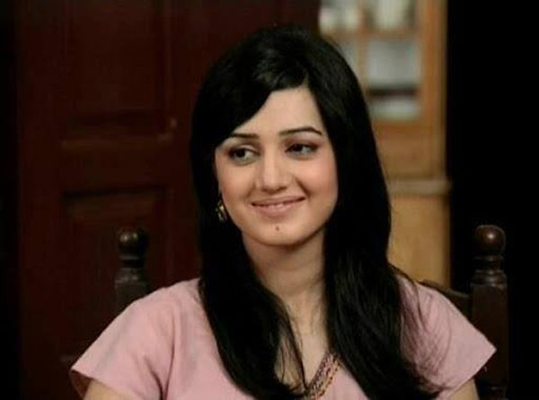 Pakistani Actress Anum Fayyaz Profile And Pictures0014