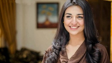 Pakistani Actress Sarah Khan Profile And Pictures008