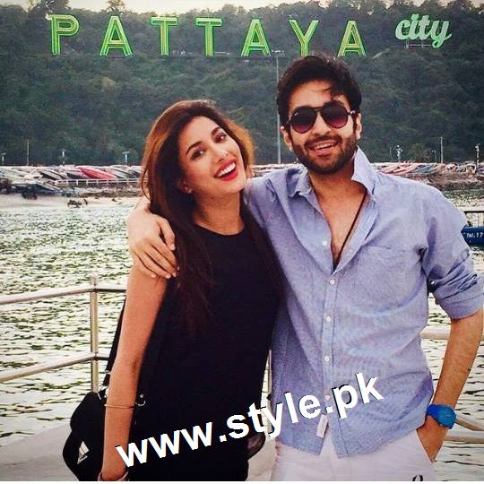 Pakistani Celebrities who are friends in real life (6)