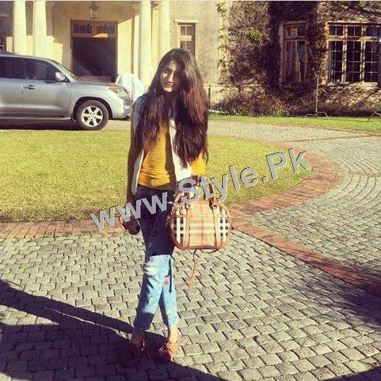Pakistani Celebrities who look good in Street Style Pants 2015 (5)
