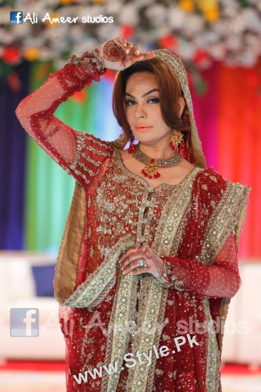 Pakistani Celebrities who were Poor before entering into Showbiz (5)
