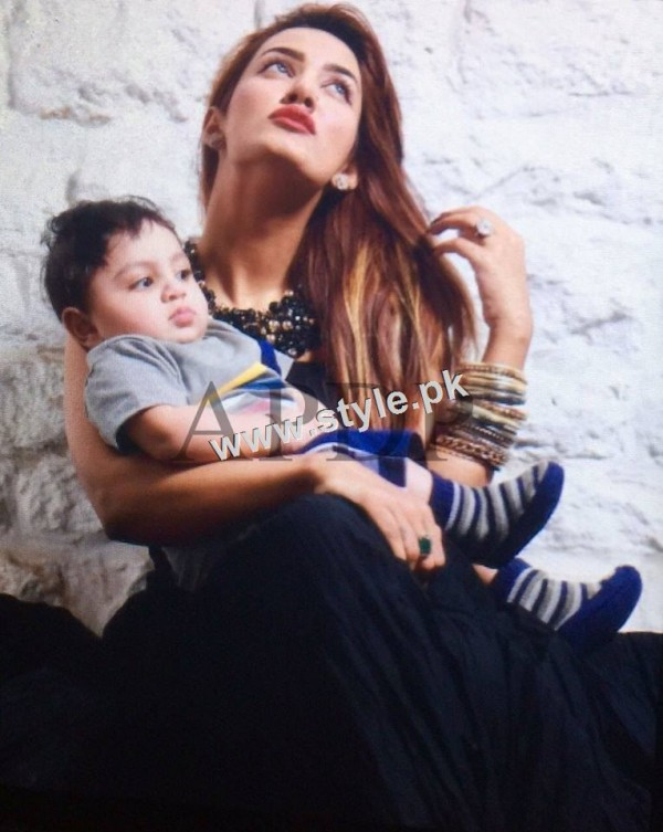 Pakistani Celebrities with their kids 8