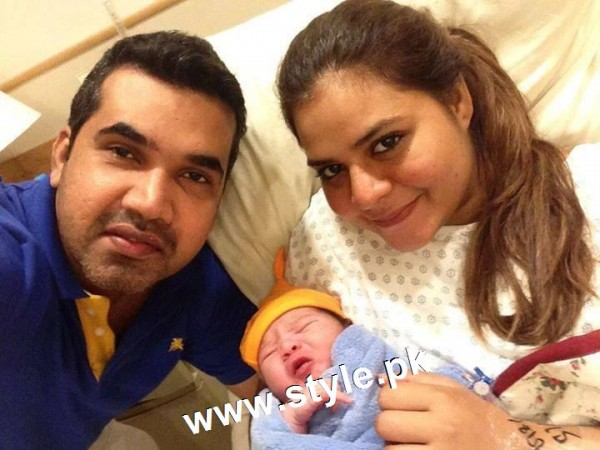 Pictures of Pakistani Celebrities with their newly born babies 1