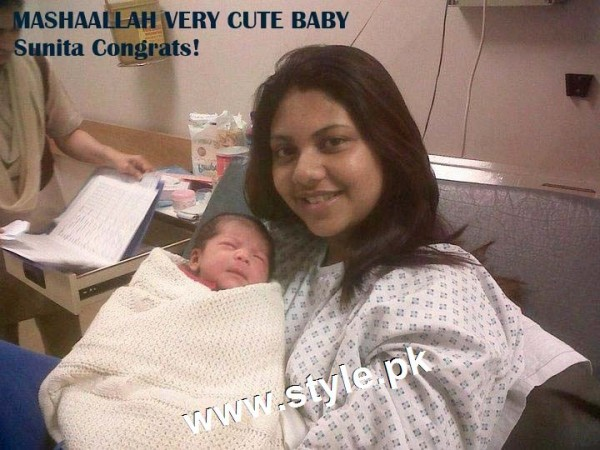 Pictures of Pakistani Celebrities with their newly born babies 12