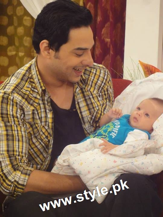 Pictures of Pakistani Celebrities with their newly born babies 9