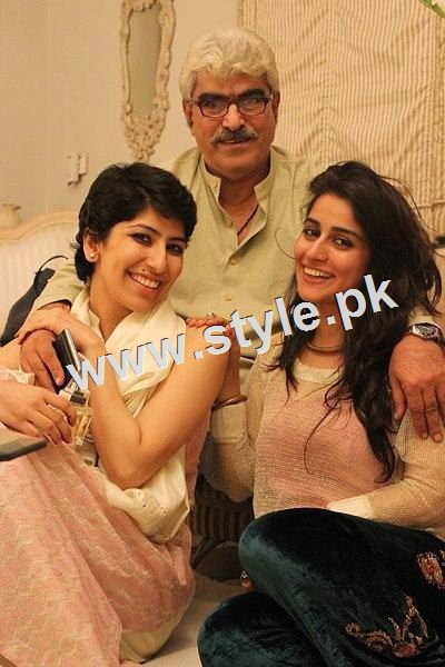 Pictures of Pakistani celebrities with their fathers 11