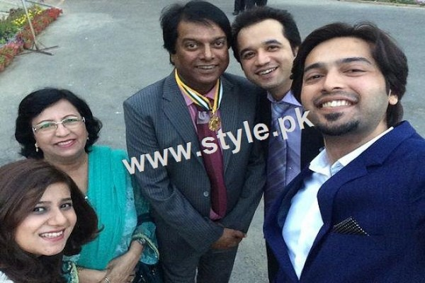 Pictures of Pakistani celebrities with their fathers 6