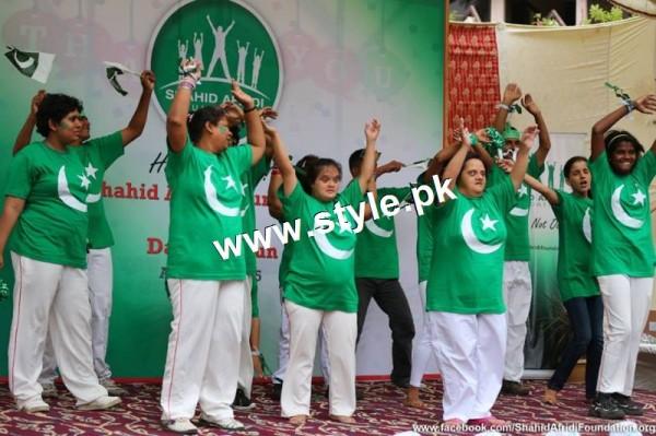 Shahid Afridi denoted 2 million PKR on his visit to Darul Sakoon (4)
