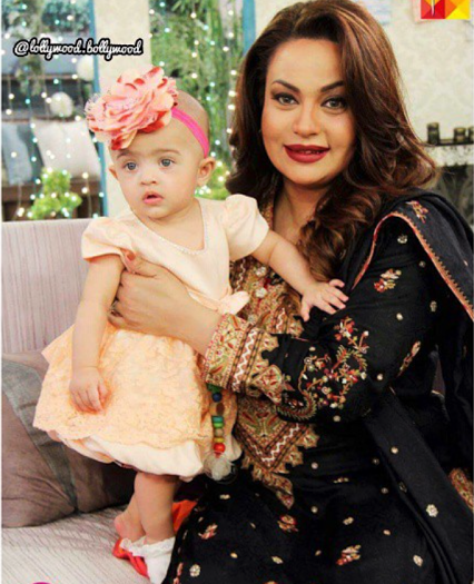 Which Pakistani Actresses Become Mothers Of Little Angles003