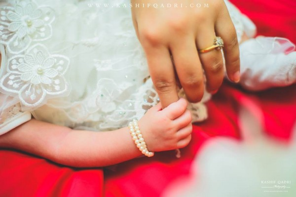 Ayeza Khan introduced her daughter on social media (2)
